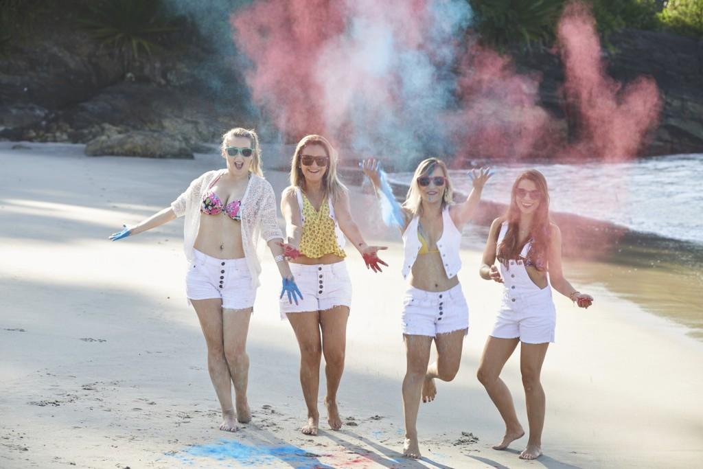 blogueiras-campinas-moda-editorial-bras-sp-razon-jeans-branco-looks-fumaca-colorida