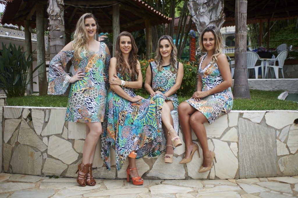 editorial-blogueiras-vestidos-estampas-looks-festas-final-de-ano-caren-sales